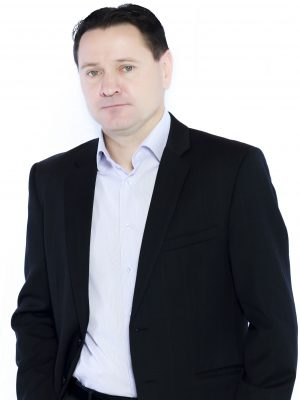 http://foxessoccer.ru/wp-content/uploads/2018/01/дима-аленичев-300x400.jpg